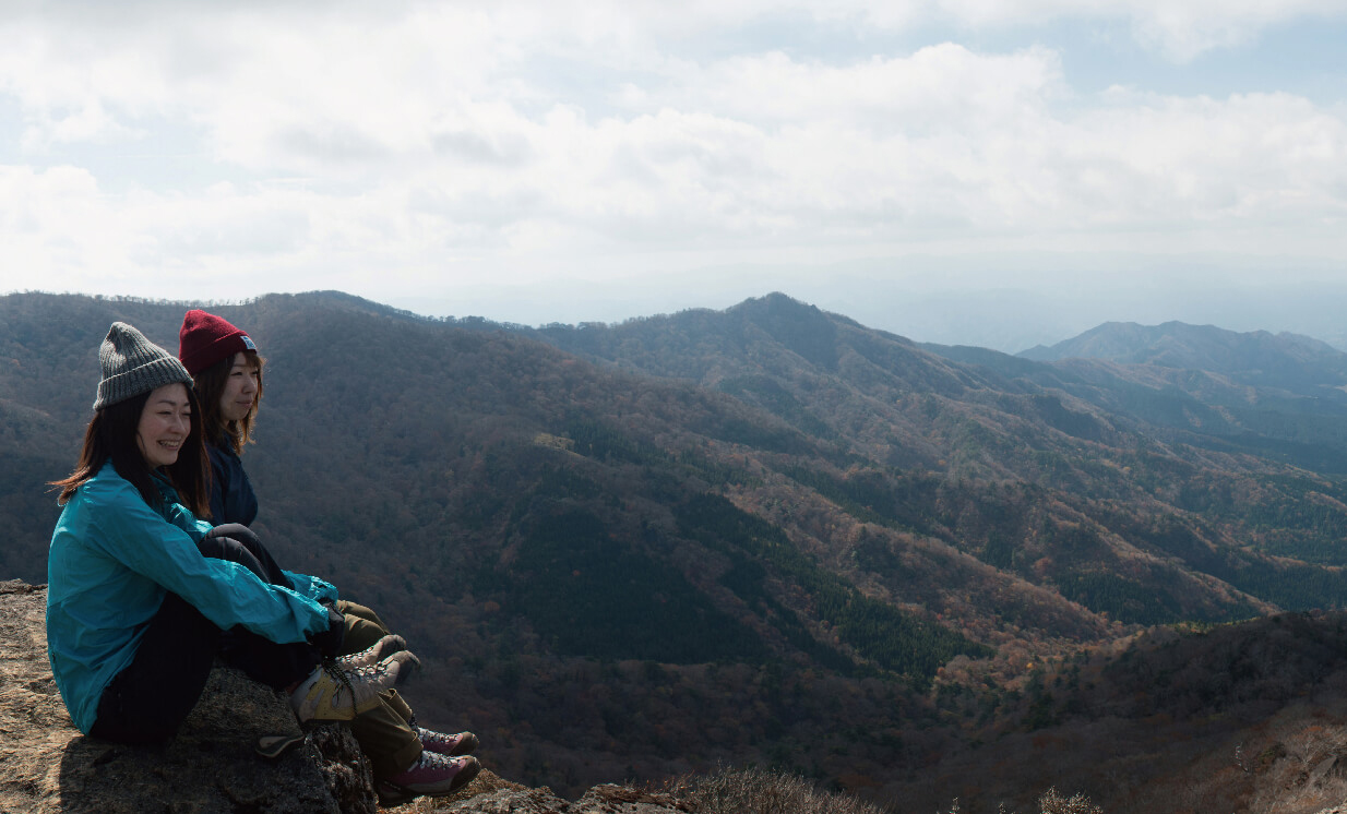 九州屈指の絶景が待つ 秋真っ盛りの名峰を登る
